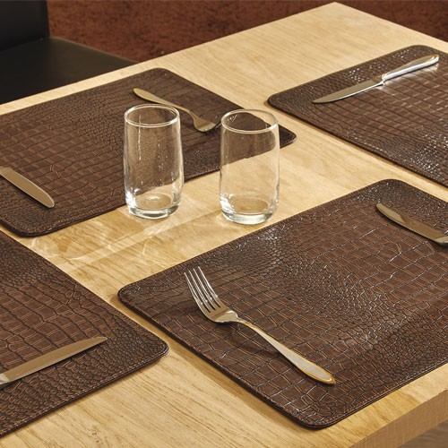 "LES 4 SETS DE TABLE""CROCO"""